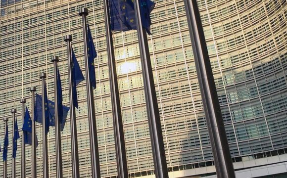 The European Commission extends the abolition of customs duties and VAT